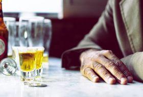 Алкогольная зависимость: признаки, стадии и виды