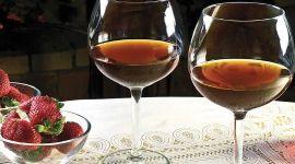 Вино из клубники: как сделать домашнее вино