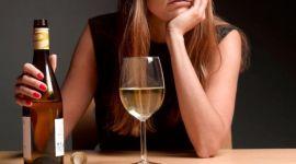 Женщины стали пить гораздо больше мужчин