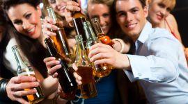 Как не опьянеть от алкоголя на вечеринке: методы разведчиков