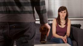 Жены алкоголиков притягивают всевозможные беды
