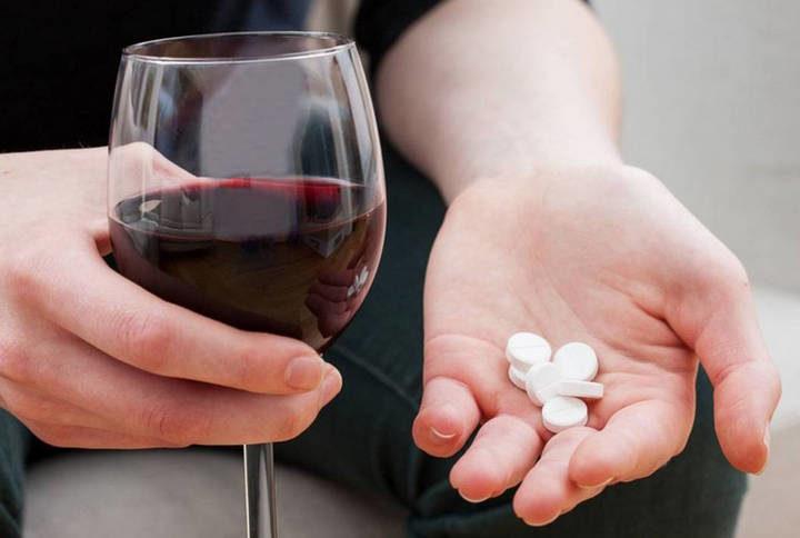 Что будет если смешать анальгин с алкоголем