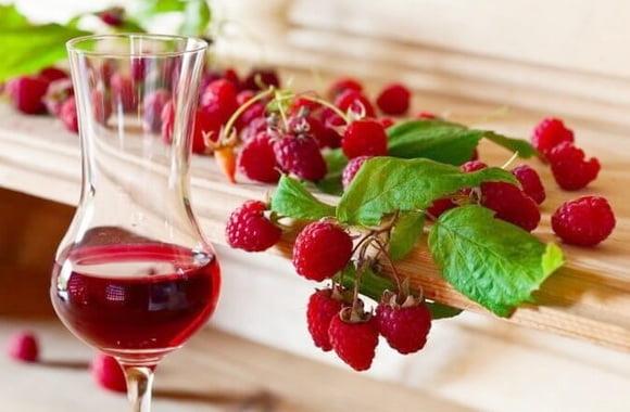 Малиновое вино из варенья рецепт