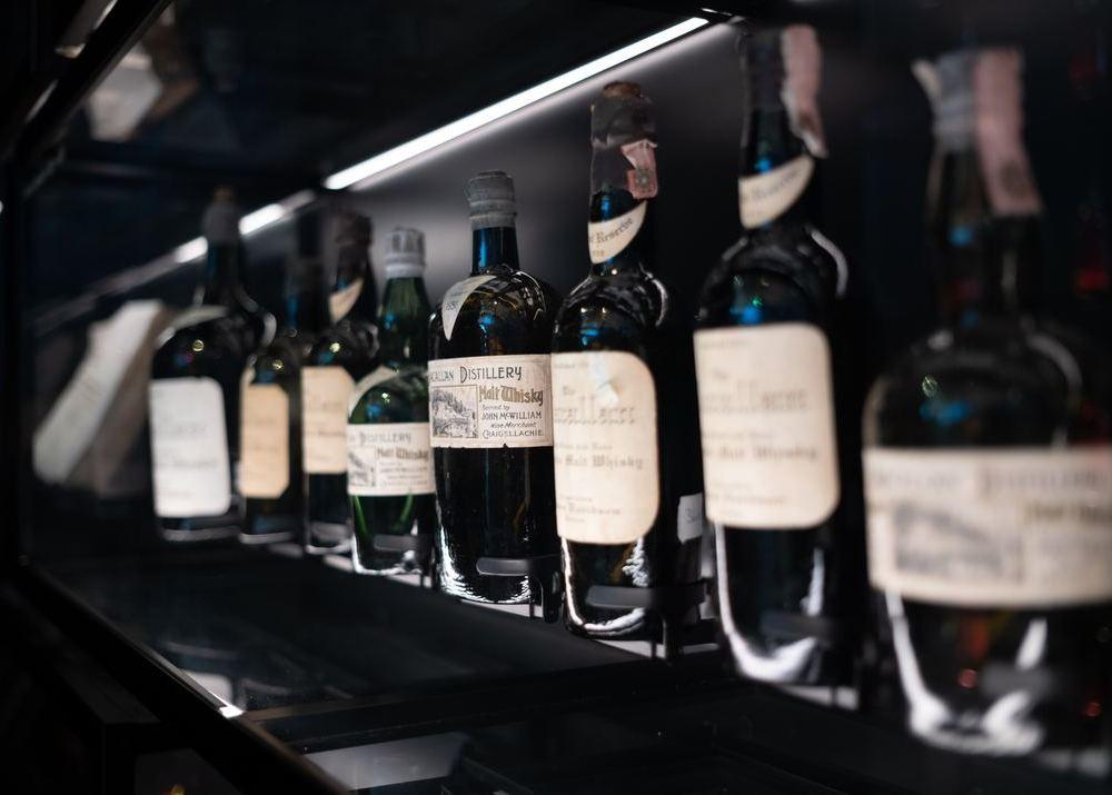Алкоголь в обычных магазинах