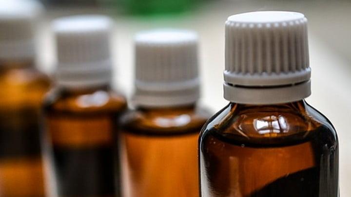В России хотят запретить продажу спиртосодержащих лекарств ночью фото